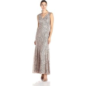 NEW Eliza J Scallop V-Neck Sleeveless Lace Gown 6